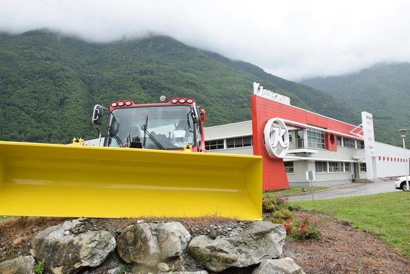 Pistenbully à Tours en Savoie - Kässbohrer ESE Dsc_0514