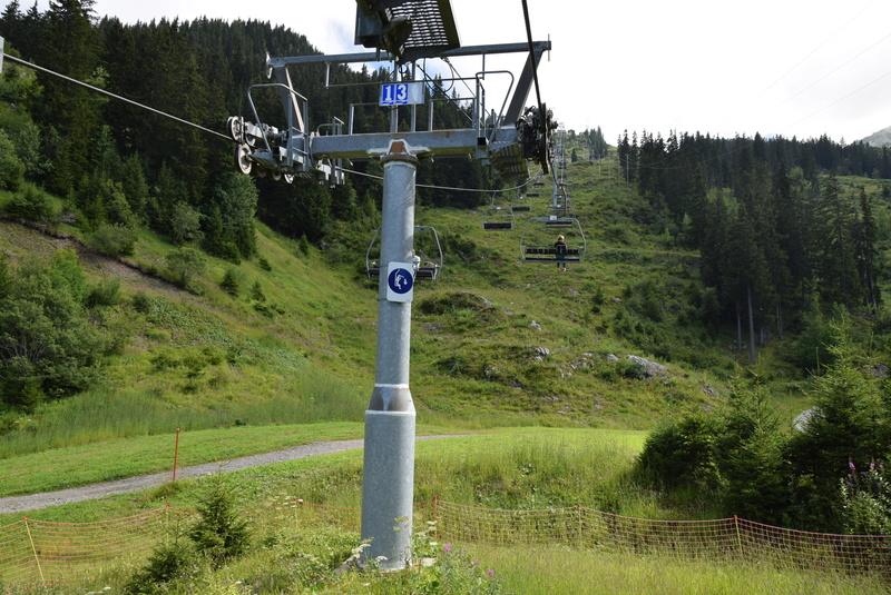 Télésiège fixe 4 places (TSF4) de la Sambuy Dsc_0937