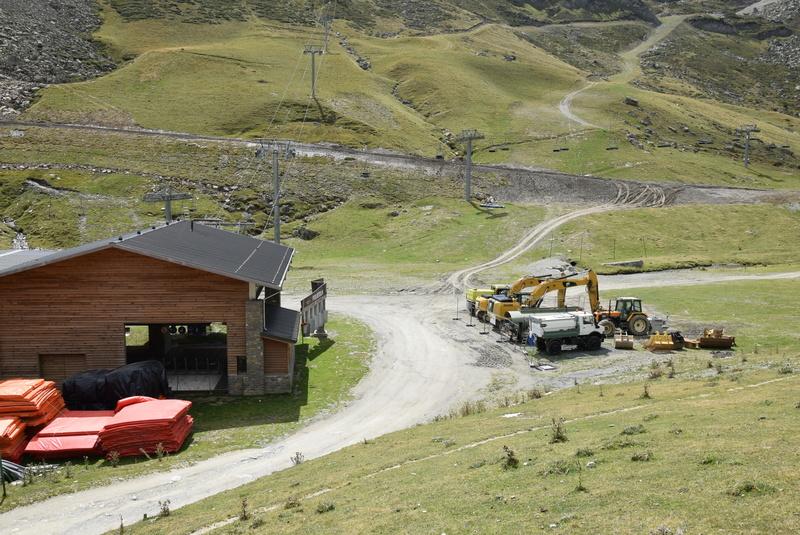 Construction télésiège 4 Termes et tapis roulants - La Mongie Dsc_1129