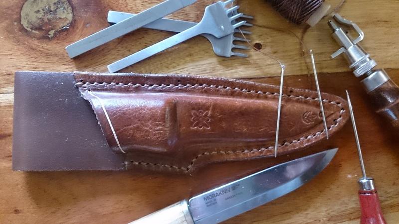 Couteau Mora suédois (105mm) et étui  1010