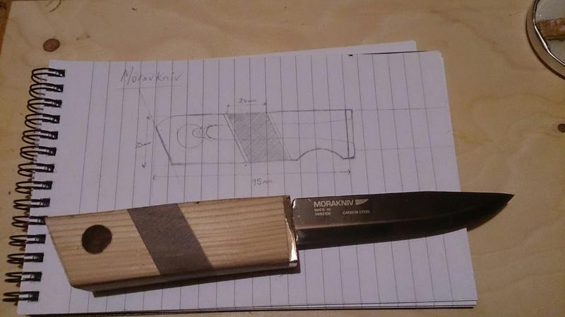 Couteau Mora suédois (105mm) et étui  510