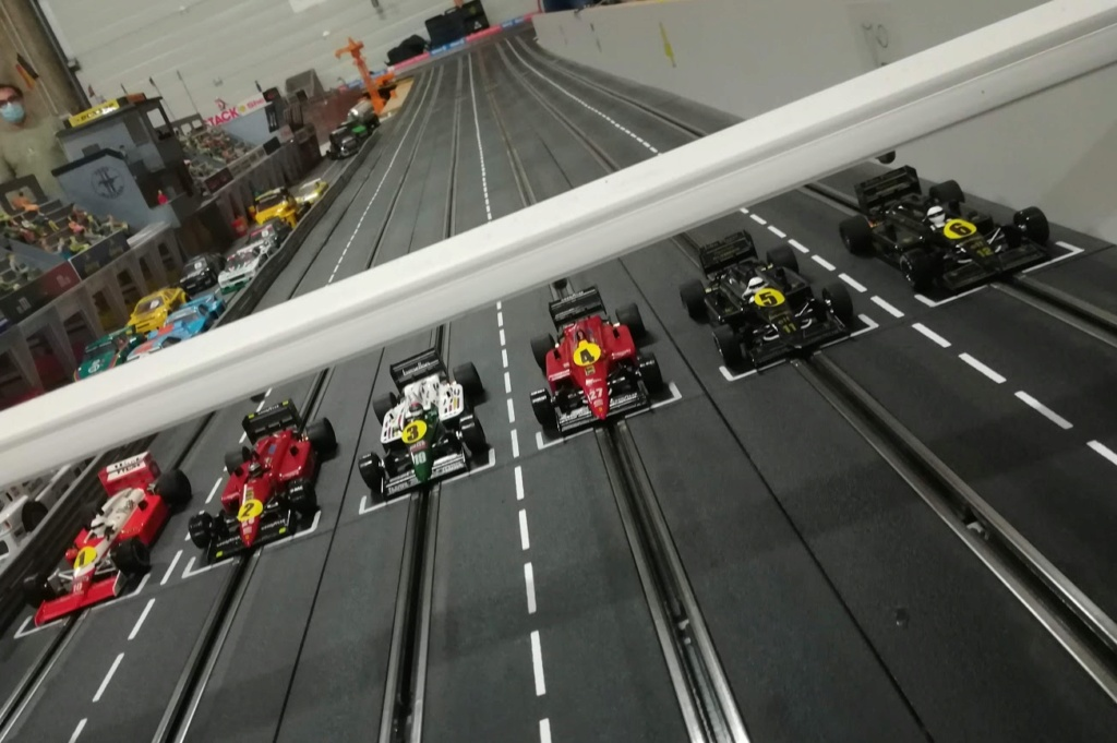 Championnat du Monde de F1 SRM .... ca continue ce 16 septembre  ... - Page 4 F1_210