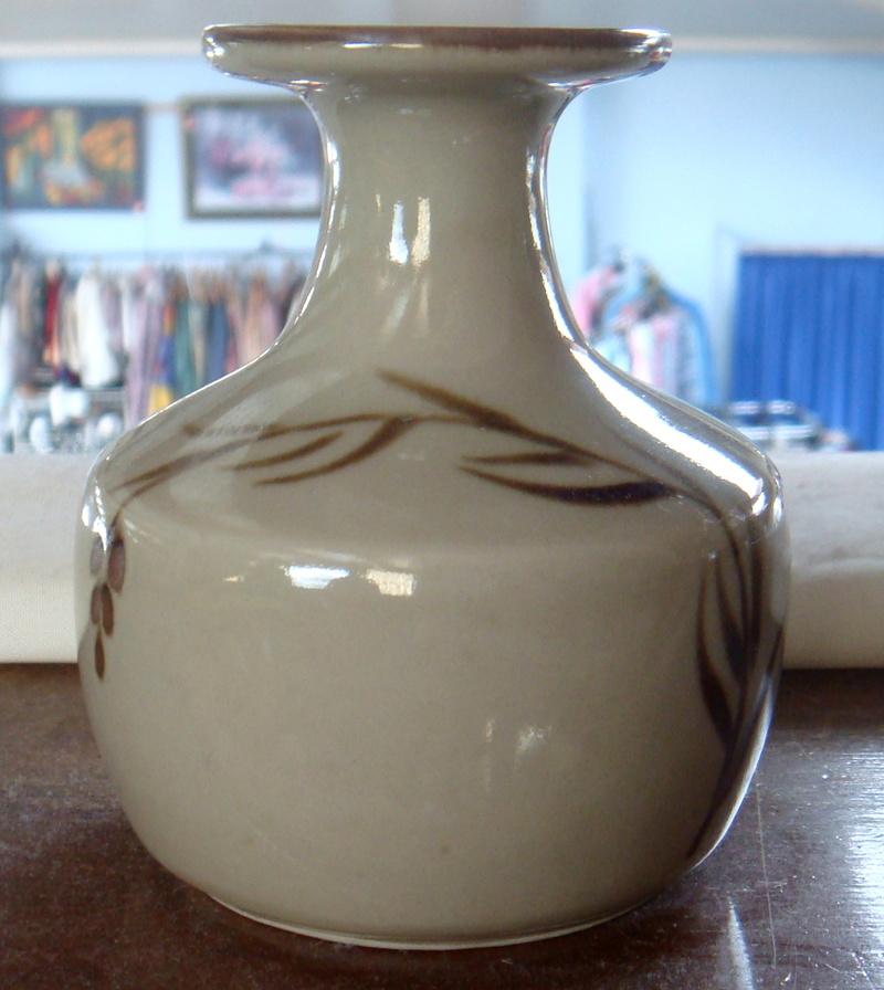2 more vases Dsc06916