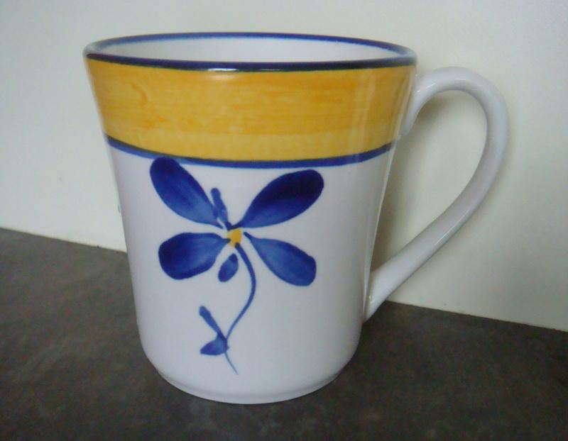 My Temuka mug with little blue flower Dsc07327