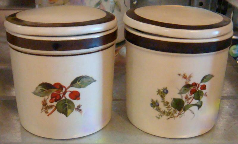 Richmond Stonewear spice jars Dsc07328
