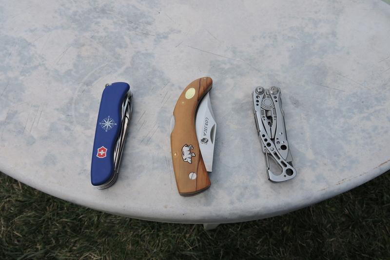 quel couteau vous accompagne dans votre fourgon Dscn4717