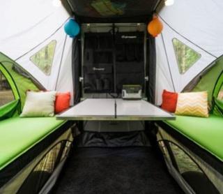Accueillons une nouvelle classe de VR , la tente caravane Interi12