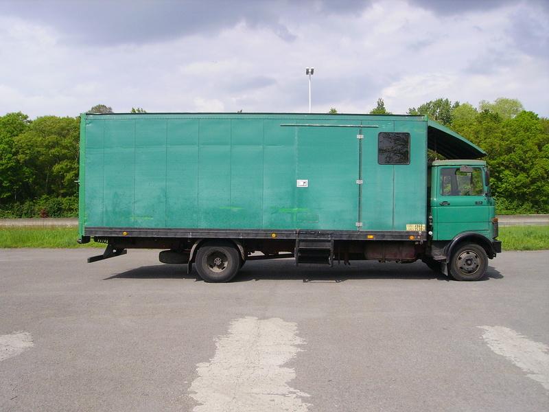Mercedes-Benz LP 813 Imgp0910