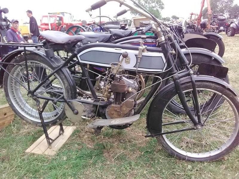 59 - SEC BOIS ....exposition Autos/motos/Camions/Tracteurs.... 14810