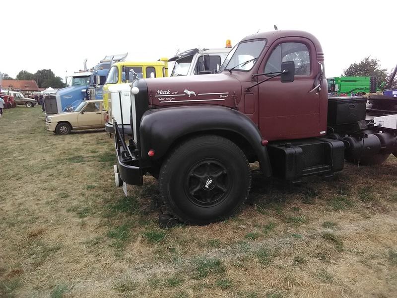 59 - SEC BOIS ....exposition Autos/motos/Camions/Tracteurs.... 17610