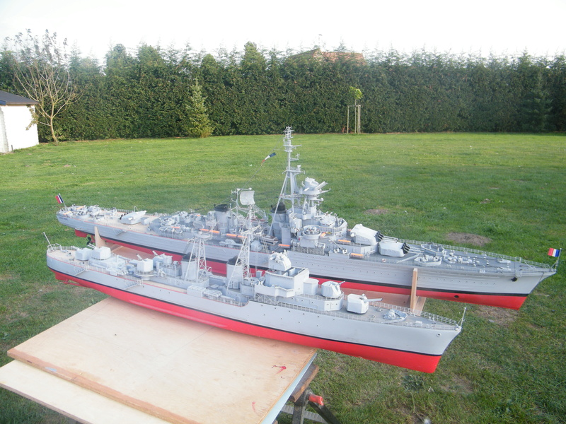 Croiseur Georges LEYGUES au 1/100 sur plan Dscf0615