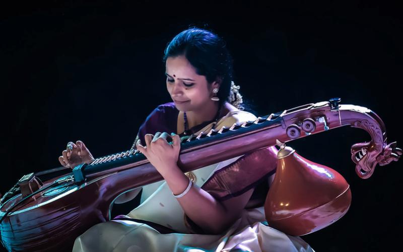 Musiques traditionnelles : Playlist - Page 16 Jayant10