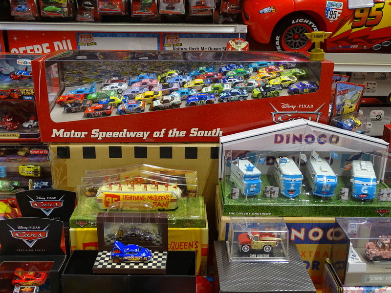 Expostion Cars Toys R Us P710