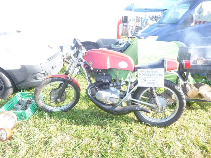 Bourses auto/moto anciennes de Lipsheim dans le Bas-Rhin P1020616