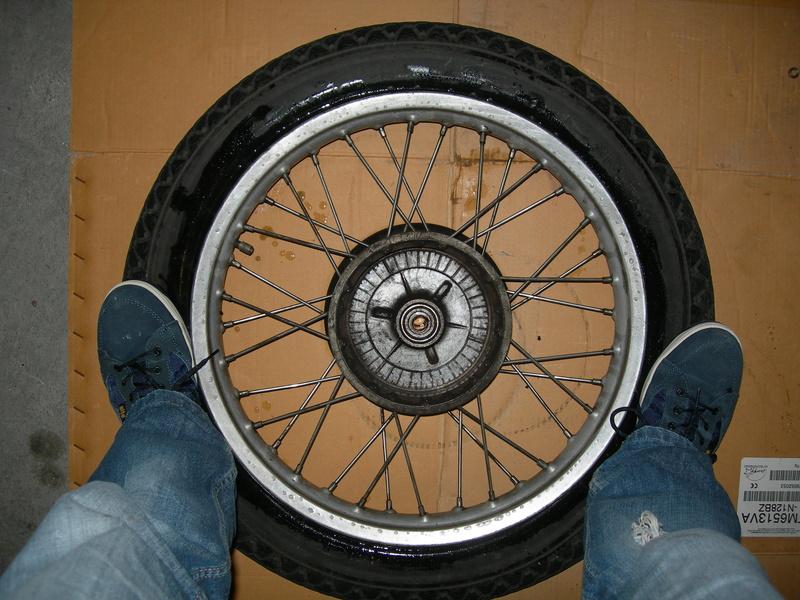 pneu - Changer un pneu - Page 2 Dscn9414
