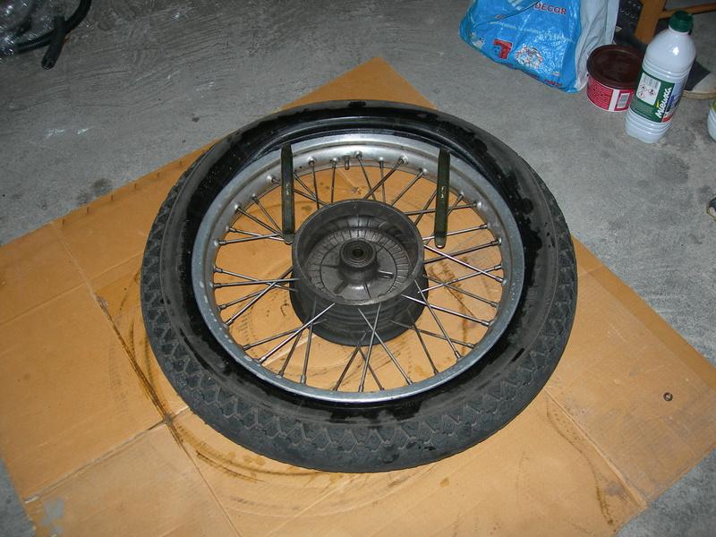 pneu - Changer un pneu - Page 2 Dscn9416