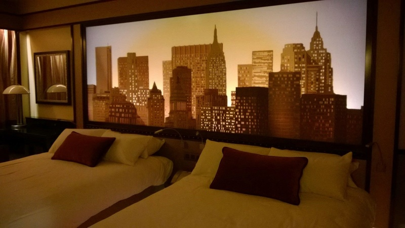 Disney's Hotel New York - The Art of Marvel (fermeture de 2019 à 2021) - Page 3 Img_3811