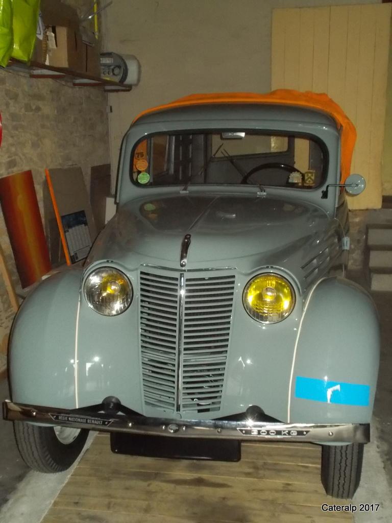 Mon montage à l'echelle 1 ,  Renault Juvaquatre 1954 - Page 5 Baguet11