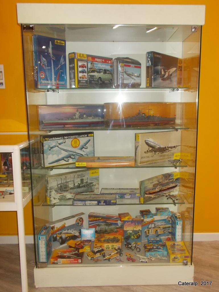 Rétrospective Heller au musée de l'automobile de Lyon Rochetaillée sur Saône  - Page 2 Instal24