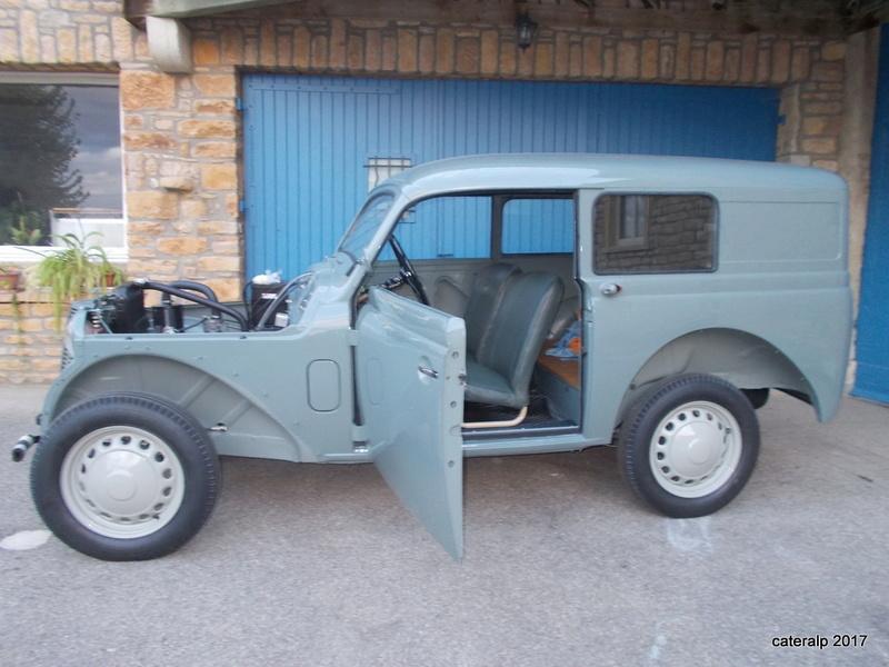 Mon montage à l'echelle 1 ,  Renault Juvaquatre 1954 - Page 4 Joints20