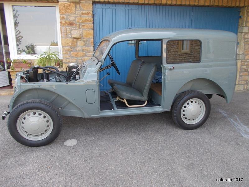 Mon montage à l'echelle 1 ,  Renault Juvaquatre 1954 - Page 4 Juva_m11