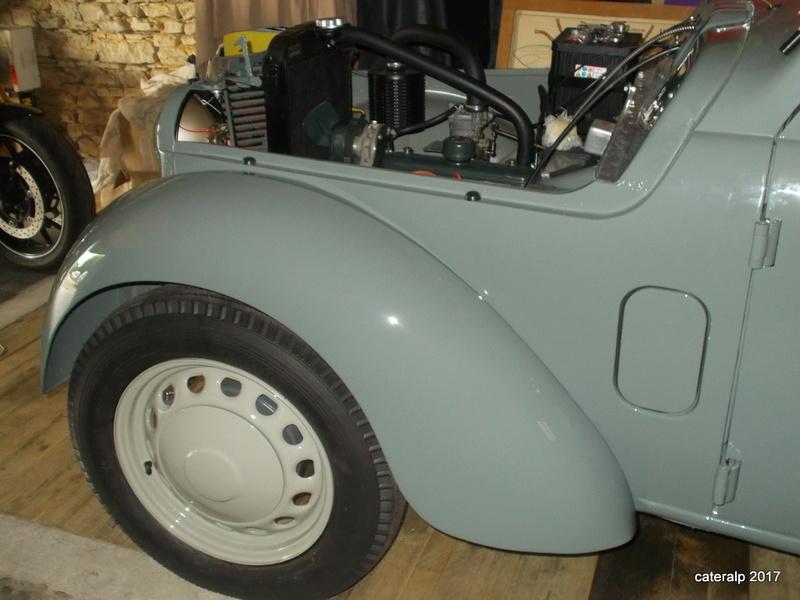 Mon montage à l'echelle 1 ,  Renault Juvaquatre 1954 - Page 4 Montag14