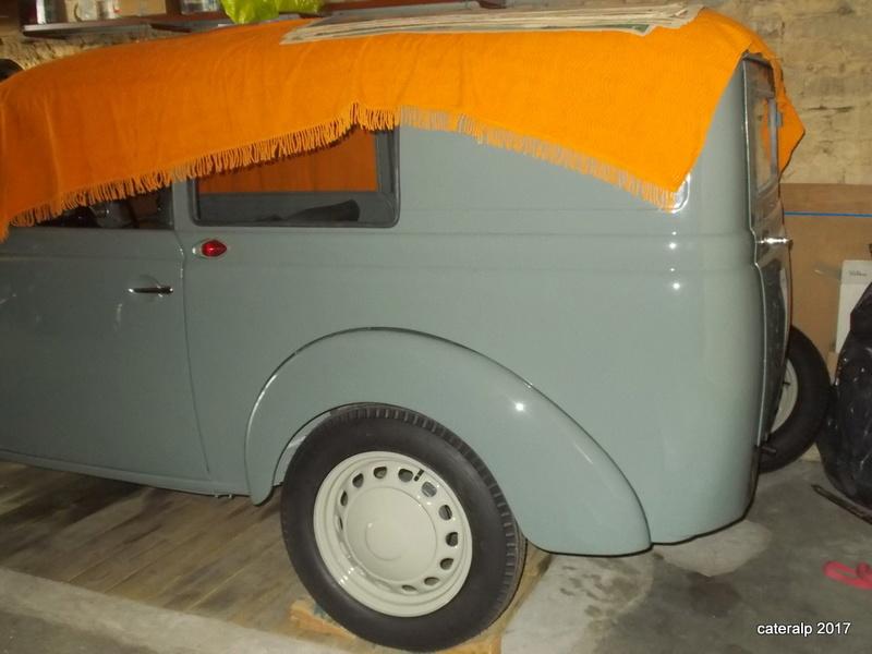 Mon montage à l'echelle 1 ,  Renault Juvaquatre 1954 - Page 4 Montag15