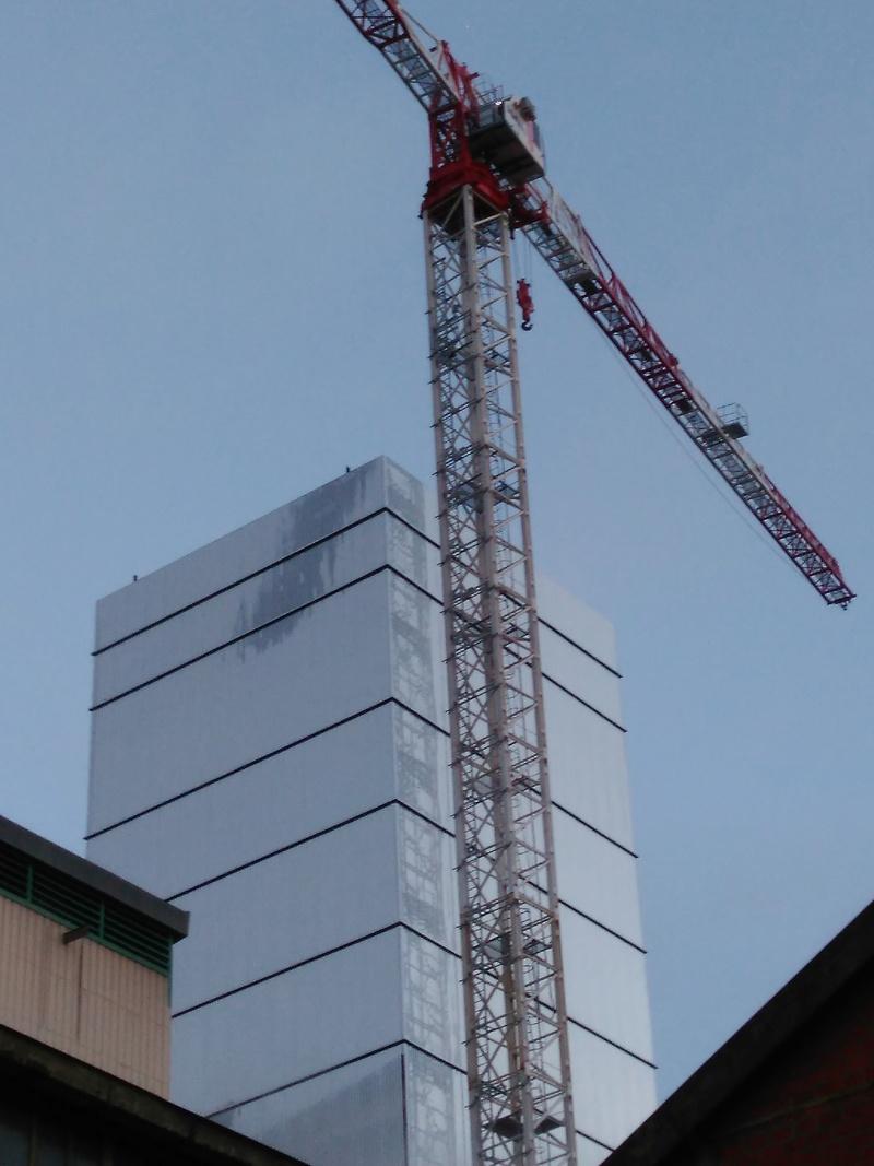 Construction d'une tour de 68m de haut sur le site Apéram Img_2010