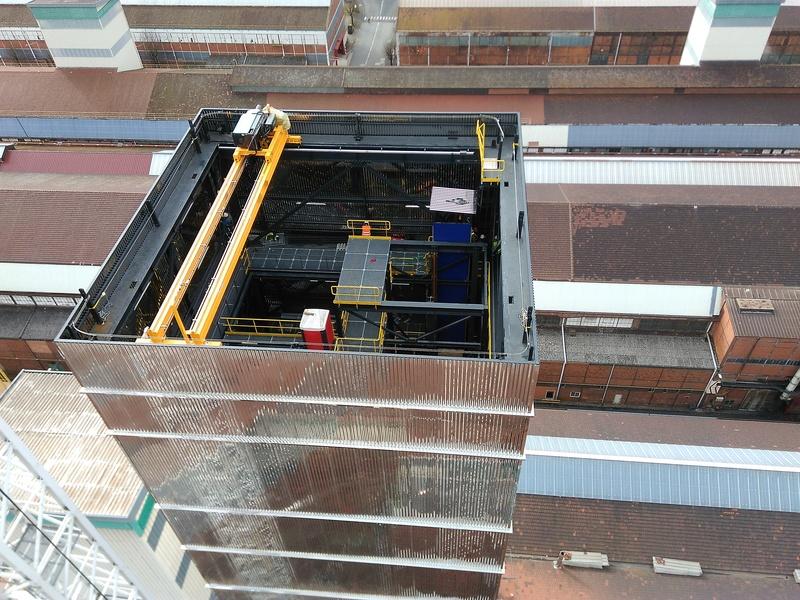 Construction d'une tour de 68m de haut sur le site Apéram Img_2011