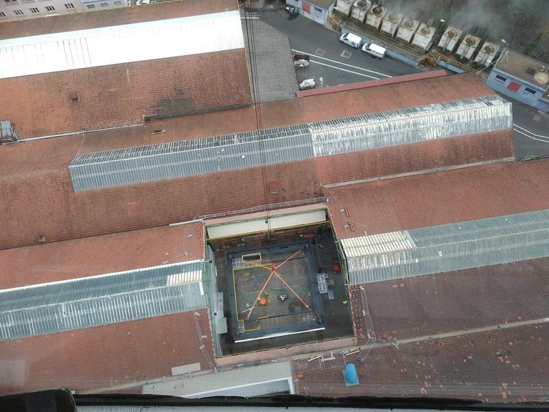 Construction d'une tour de 68m de haut sur le site Apéram Img_2012