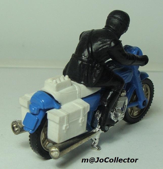 N°203 Moto police 203_2_10