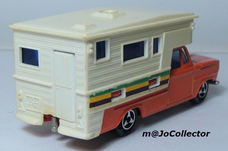 N°209 DODGE CAMPING CAR 209_1_11