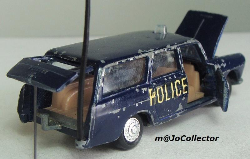N°216 PEUGEOT 404 POLICE 216_1_11