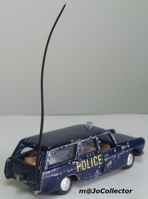 N°216 PEUGEOT 404 POLICE 216_1_12