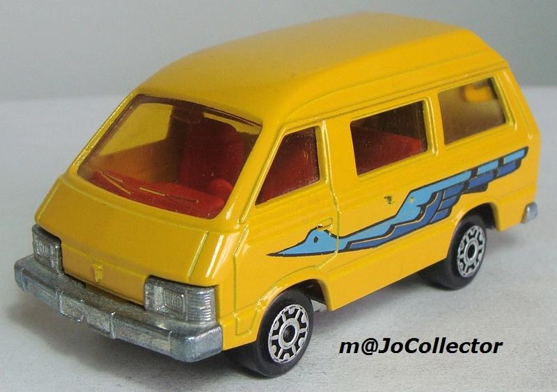 N°216 Toyota Lite Ace 216_3_14