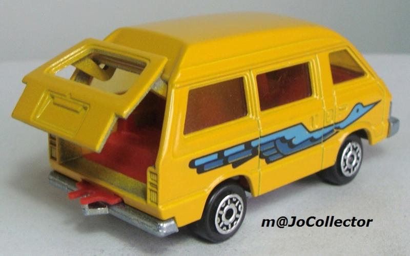 N°216 Toyota Lite Ace 216_3_15