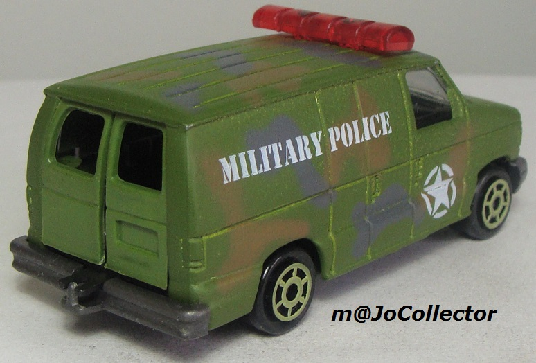 N°220-14 FORD ECONOLINE IV MILITARY POLICE 220_1410