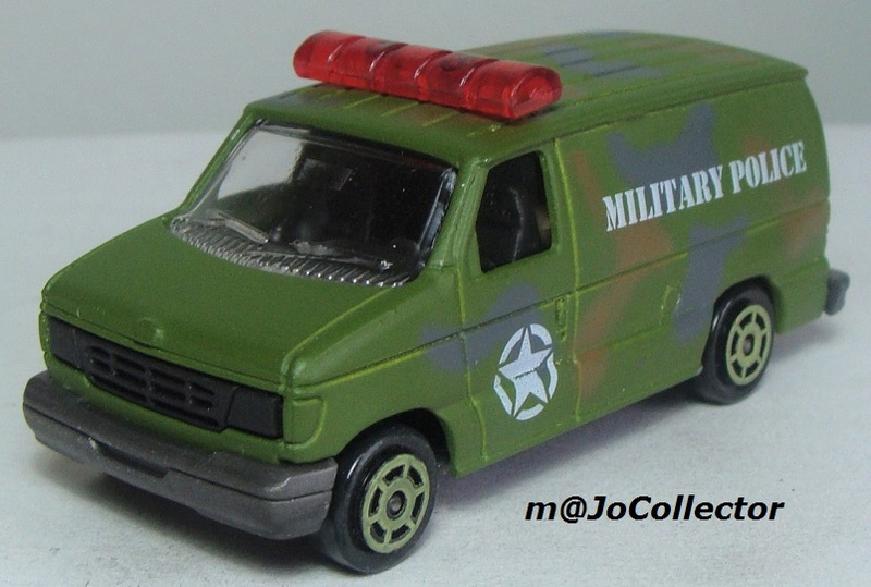 N°220-14 FORD ECONOLINE IV MILITARY POLICE 220_1412