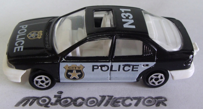 N°221S FORD MONDEO POLICE 221s_f16