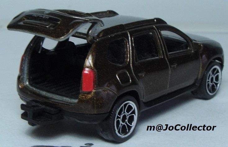 N°225A Dacia duster. 225_4a11
