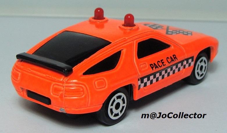 N°2304 PORSCHE 928 PACE CAR 2301-211