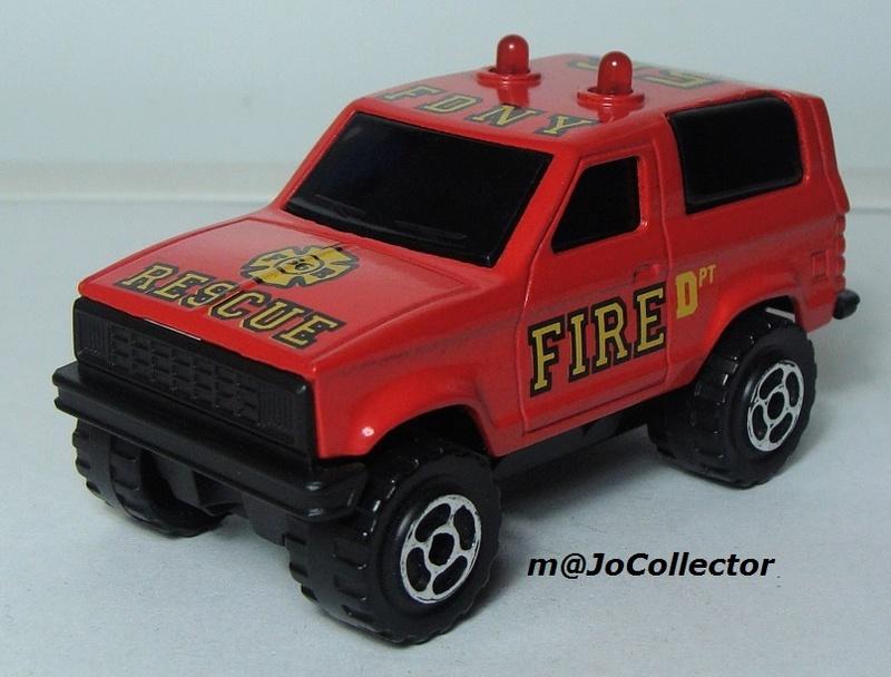 N°2305 Ford Bronco II Pompier 2302-214