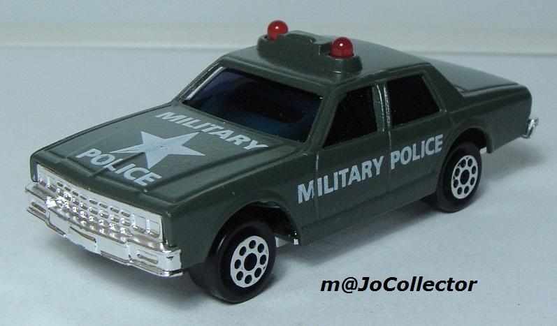 N°2335 CHEVROLET IMPALA MILITARY POLICE 2309-213