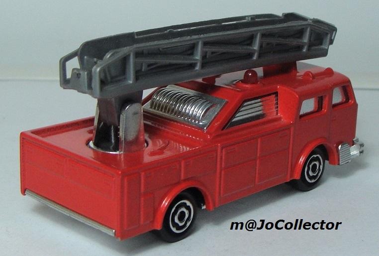 N°2310 Camion Pompier grande échelle. 2310_c10