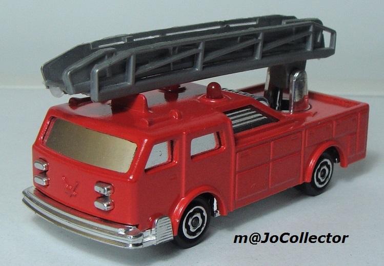 N°2310 Camion Pompier grande échelle. 2310_c12