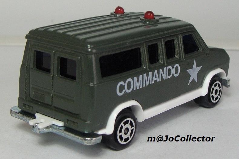 N°2338 FORD ECONOLINE III COMMANDO 2311-212