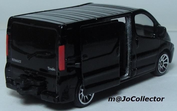 N°239B Renault Trafic 239_6b10