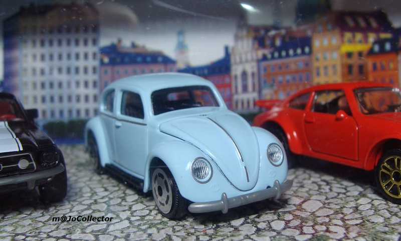 N°241A VOLKSWAGEN COCCINELLE OVALE  241_4a10
