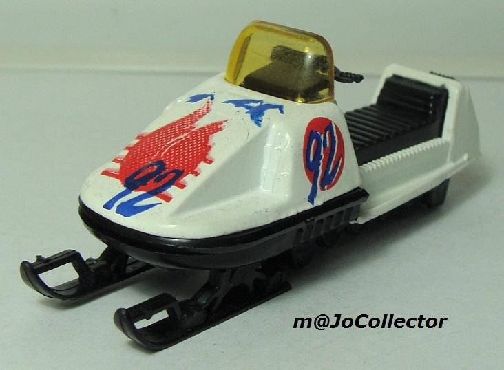 N°284 MOTO-NEIGE 249_1-12