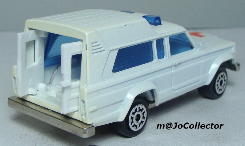 N°269 JEEP CHEROKEE AMBULANCE 269_1_15